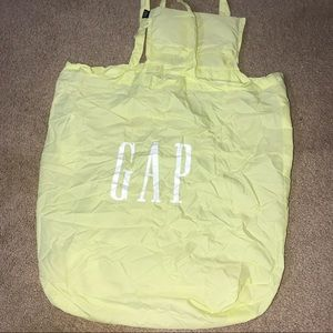 LIGHTWEIGHT GAP FOLDABLE REUSABLE TOTE